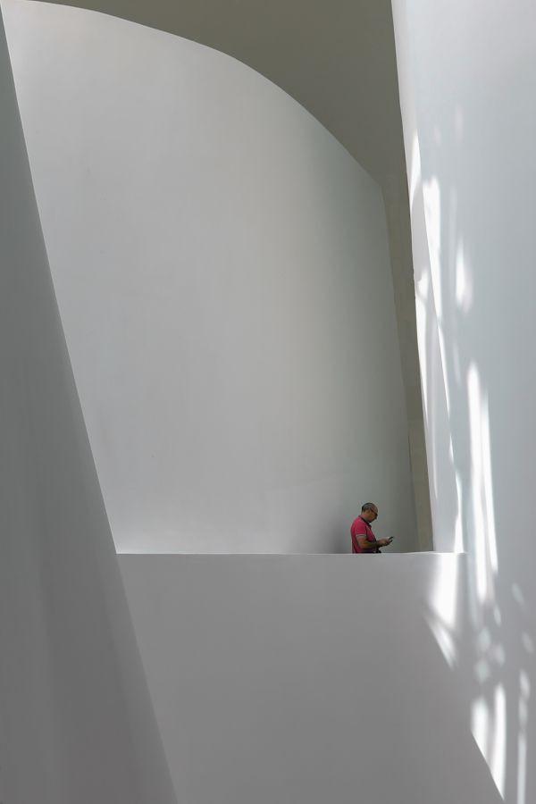 """""""Perdu dans le musée """" - de Max Raynaud - Rueil Images"""