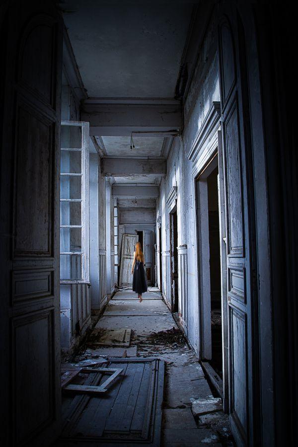 """""""Le couloir bleu"""" - de Marie-Catherine Barbelane - Photo Ciné club de Bouffemont"""